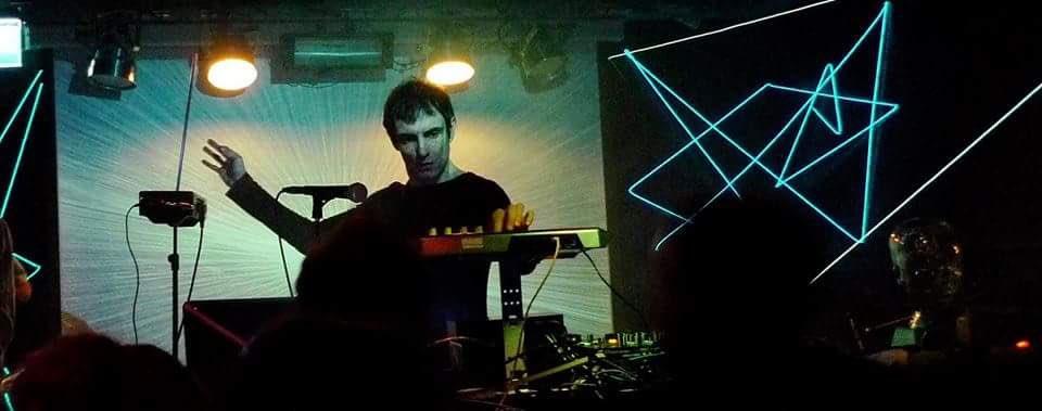 #CLUBBING  #SÁBADO 27 mayo SPECIAL PARTY  @DIGITAL21_  (Electronic Set) +CARLOS GARVI (Vinyl set) +Sound Station dj 0h / 6h. @SalaTaboo<br>http://pic.twitter.com/sLe2SLyAwP