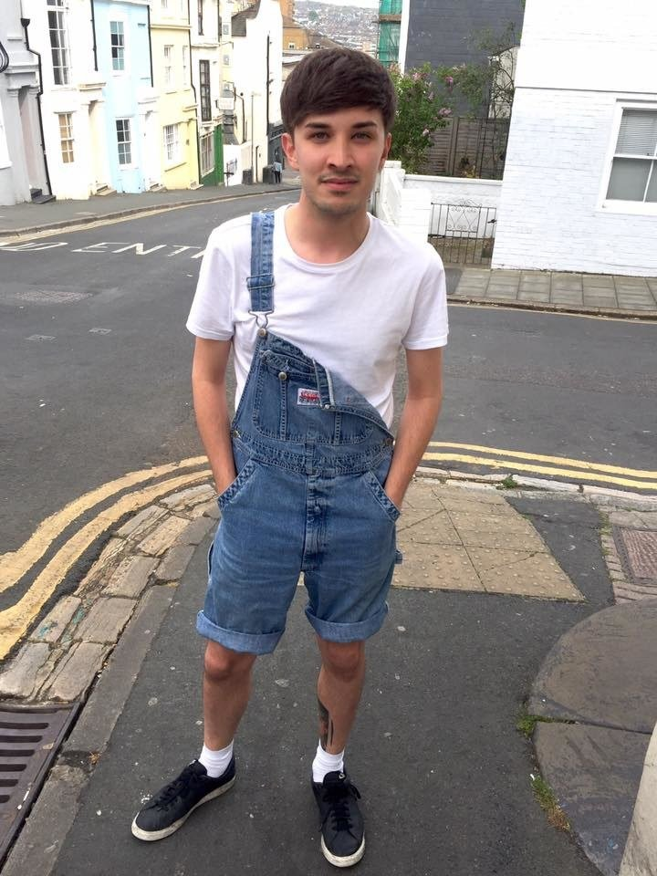 "Friends say Manchester victim Martyn Hett ""died as he lived"" as tributes pour in https://t.co/SpselnEagO"