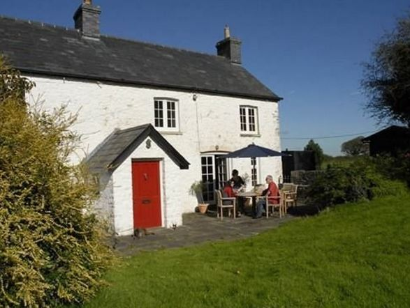 Moorshead Farm Cottages have been completely #refurbished recently to provide comfortable &amp; tasteful #accommodation.  https://www. theholidaycottages.co.uk/Glamorgan/2156  &nbsp;  <br>http://pic.twitter.com/aQoQ7qzrEE