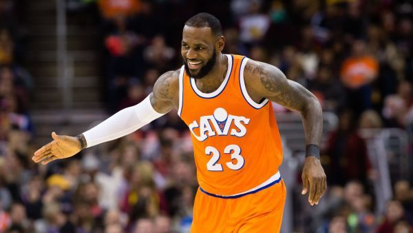 PR lessons from NBA superstar LeBron James:  http:// bit.ly/2qgSF0Z  &nbsp;   #PR #PublicRelations #Communication  Via @RaganComms<br>http://pic.twitter.com/NnByWUQsCw
