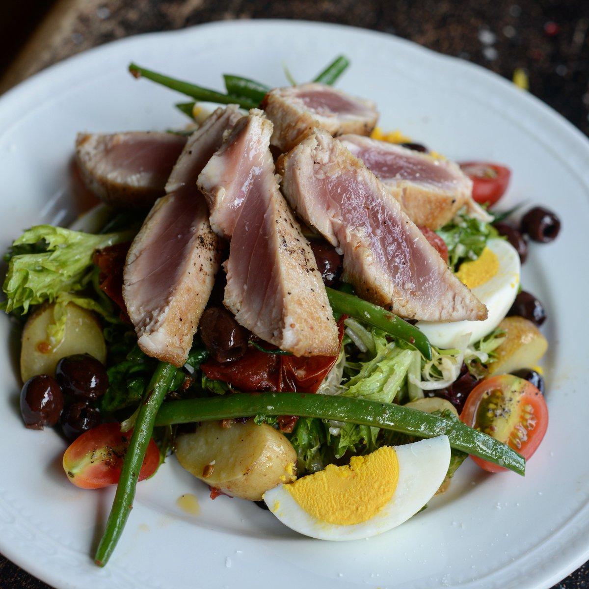 Tuna Niçoise returns to the menu as our Wednesday #platdujour! <br>http://pic.twitter.com/zvE70WnGET