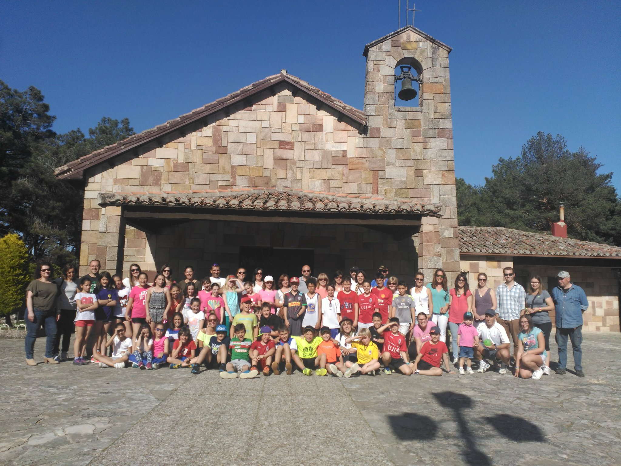 #etwinning implies students and teachers but also families. Great experience between @HTPDSchool and @colsangregorio #etwinning_cyl https://t.co/omPOqX0laZ