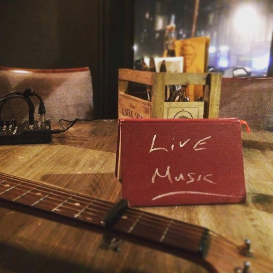 I&#39;m playing this Friday at @princesswales22 6pm - 9pm. #gigs #live #music #primrosehill #friday @SamLewisMusic<br>http://pic.twitter.com/e6Ftrdsph9