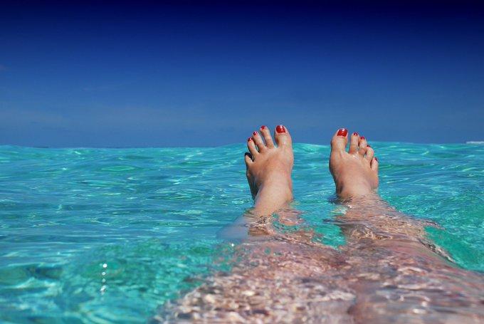 🏖️ Bonne nouvelle : + de 85% des sites de baignade en Europe répondent à la norme de qualité «excellente» ! 🌊 ☀️ https://t.co/KHCGGQSRJ3