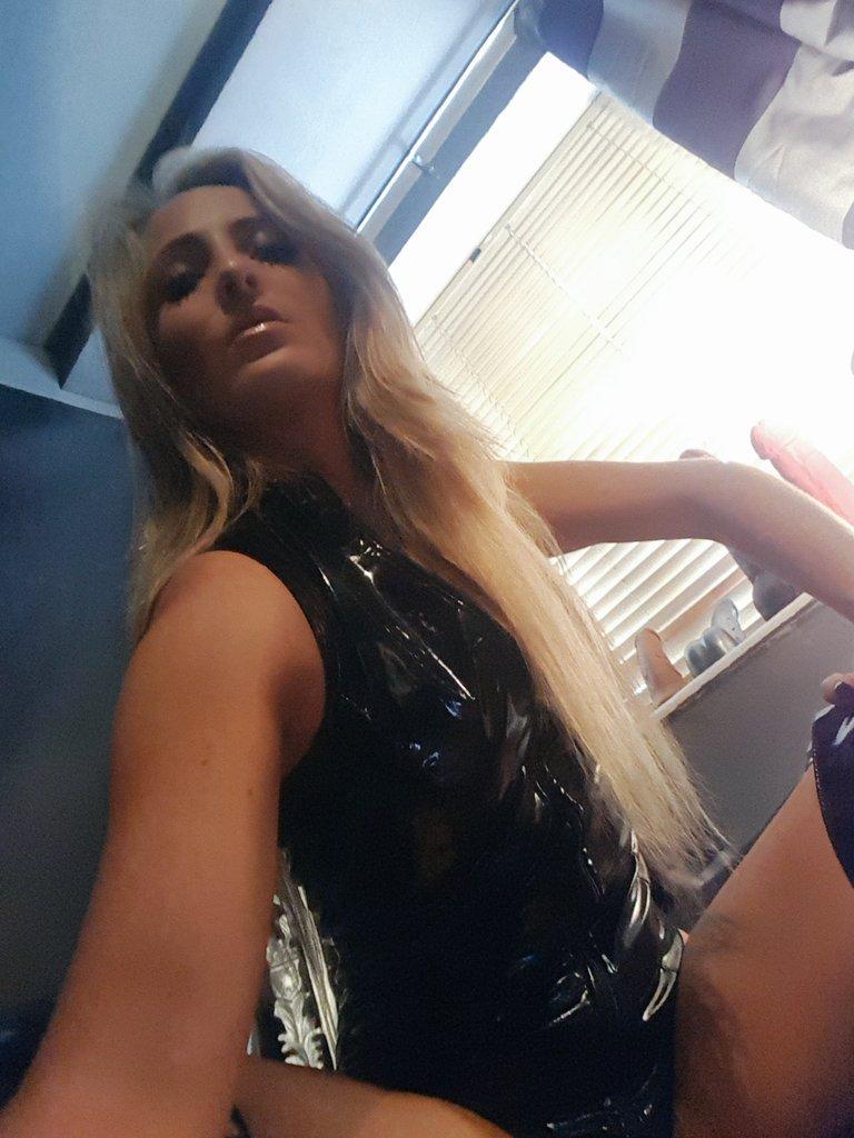 Let&#39;s get ready to punish.... my naughty boy  @HoxtonDS #londonmistress #london #FEMDOM #kinky #blonde #kink #fetish #femalesupremacy l <br>http://pic.twitter.com/yU2Ve2NHmQ