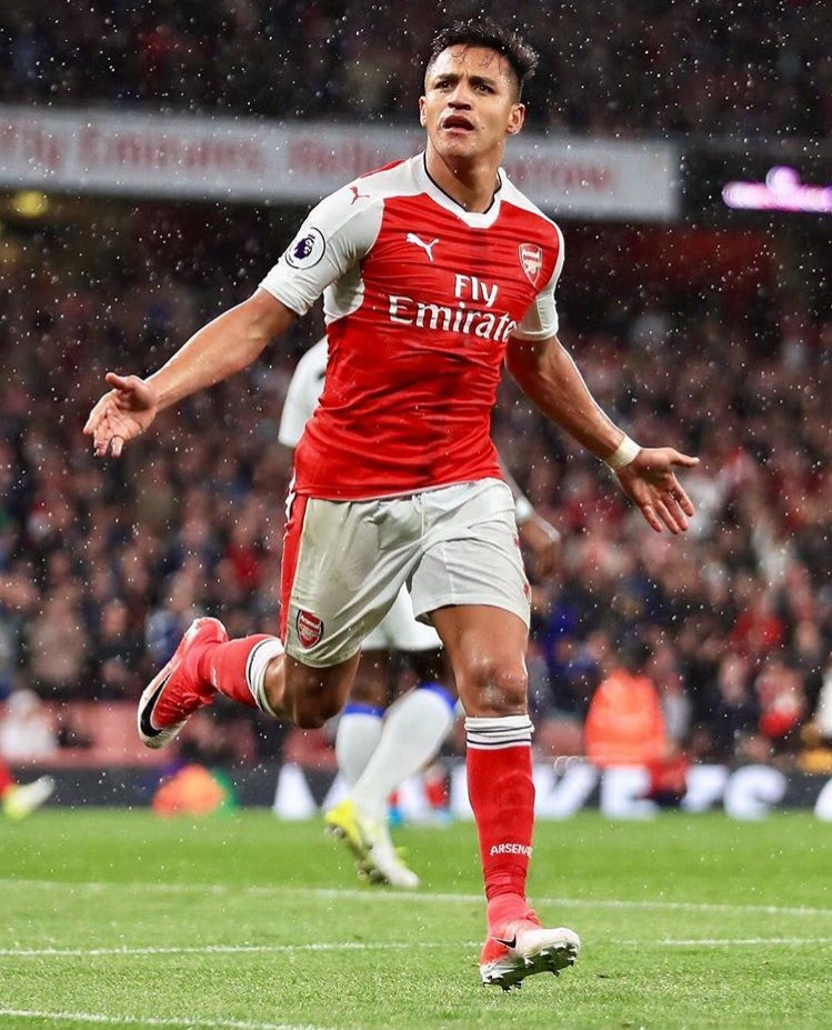 Germany paper Bild reporting that #Arsenal have offered #Sanchez €20m a season (Bayern = €14m) and Bayern are not prepared to match. <br>http://pic.twitter.com/7FPfanVNy6