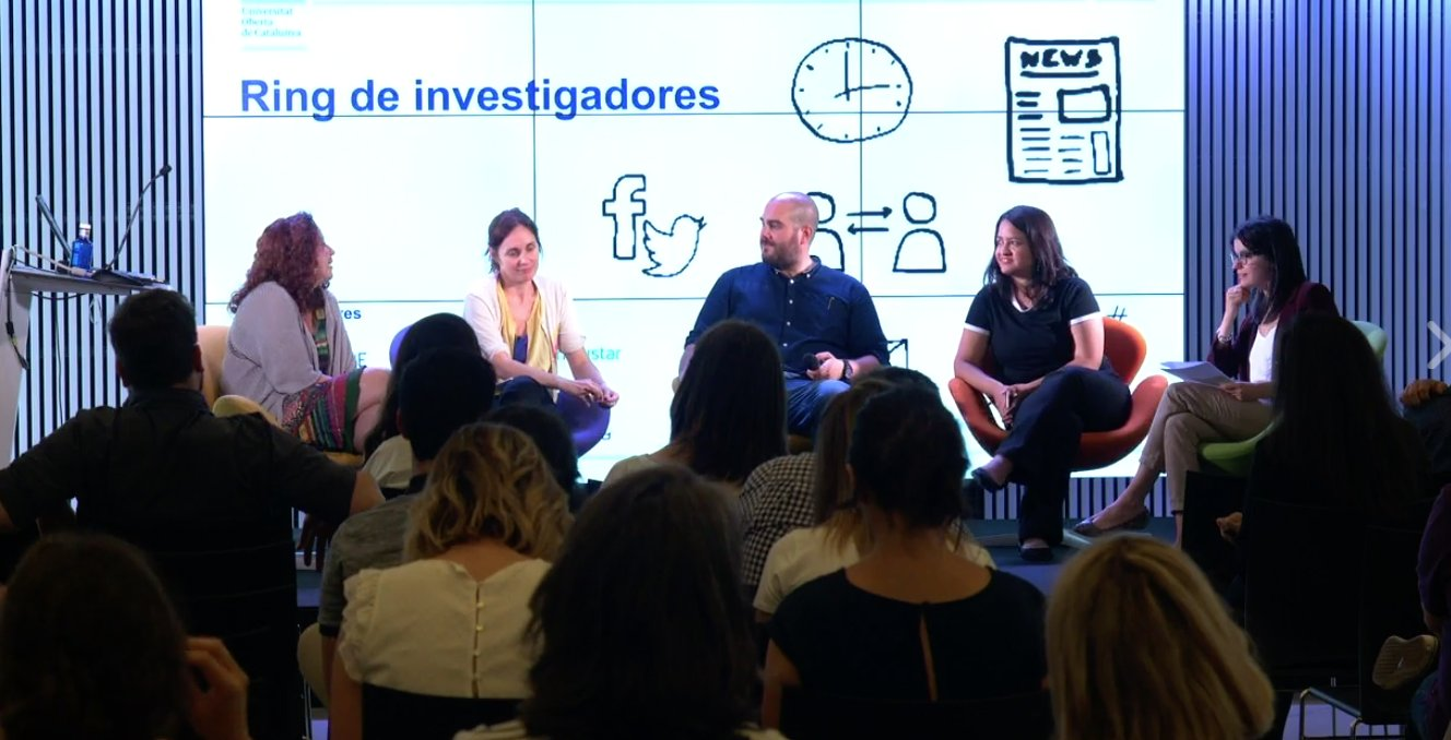 Las ponentes del #RingDeInvestigadores coinciden en recomendar a los estudiantes de periodismo que experimenten con las redes. #MoJoBCN https://t.co/rlPLmmjRbk