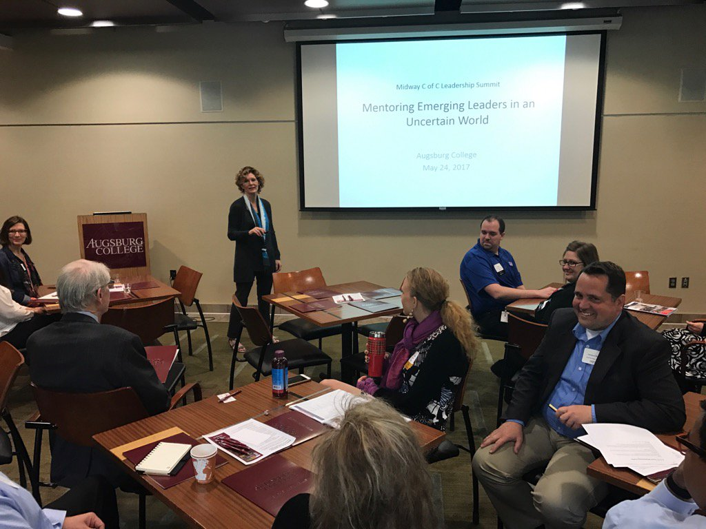 """@dianagpierce & """"Mentoring Emerging Leaders in an Uncertain World"""" at Ldrshp Summit @AugsburgCollege #MidwayChamber https://t.co/ViM2FH7eYD"""