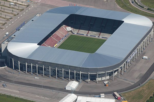 WWK ARENA opened 2009 and holds 30,660. Home o #Augsburg <br>http://pic.twitter.com/WpyqdgFR51