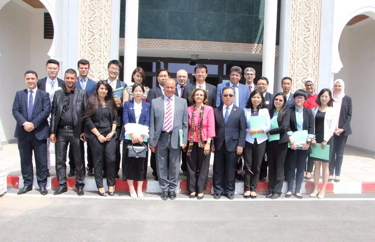 Members of the #China #Algeria Friendship Association paid a visit to the Institute @IdriAlgerie this morning<br>http://pic.twitter.com/MReXqLvVfZ
