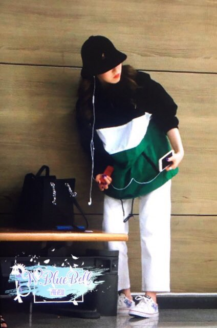 Why Wendy look like she about to do a dance cover of EXO\'s Overdose