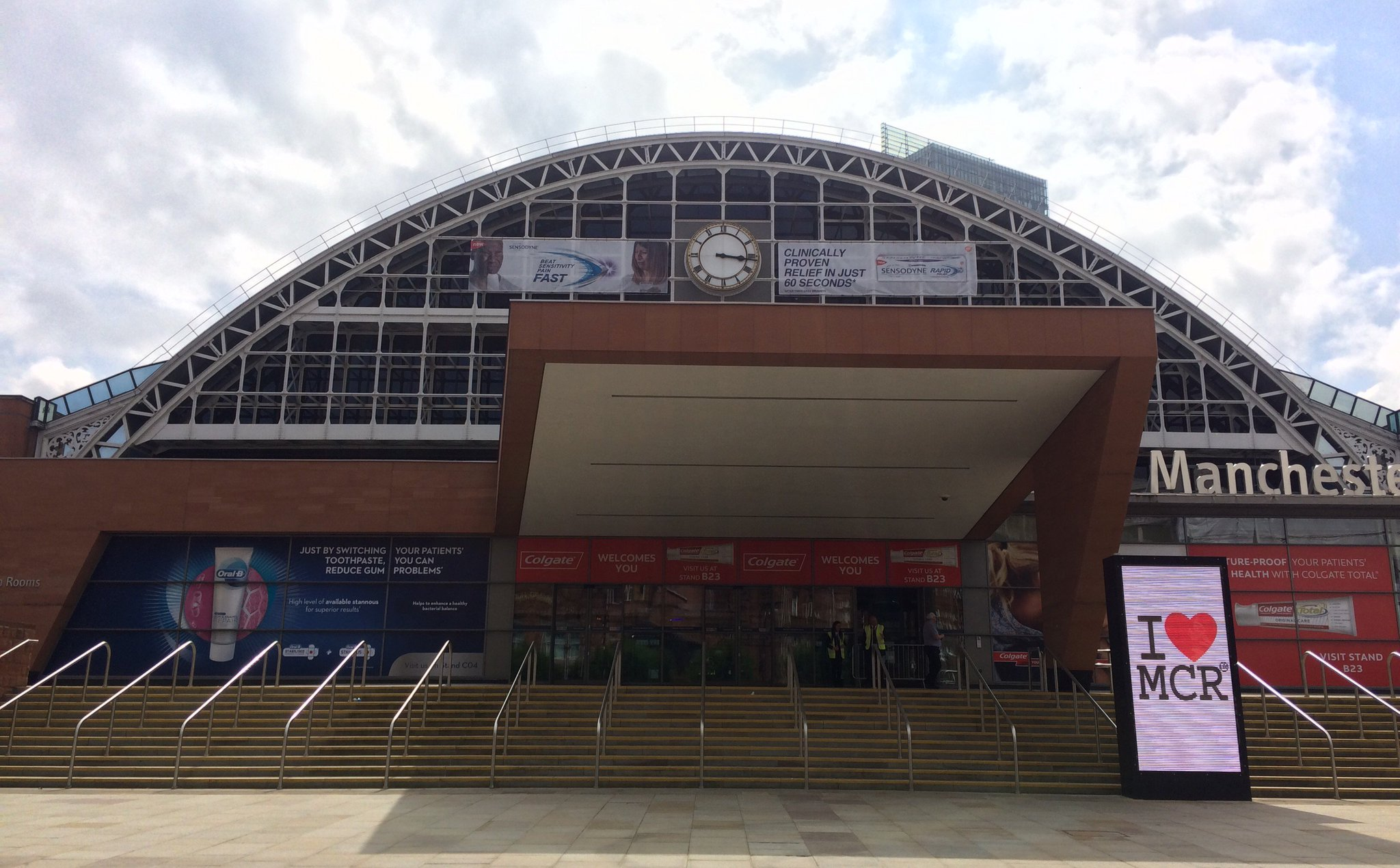 We're here in sunny Manchester getting ready for #BDA2017! We look forward to seeing everyone tomorrow https://t.co/ELhexLeRFk