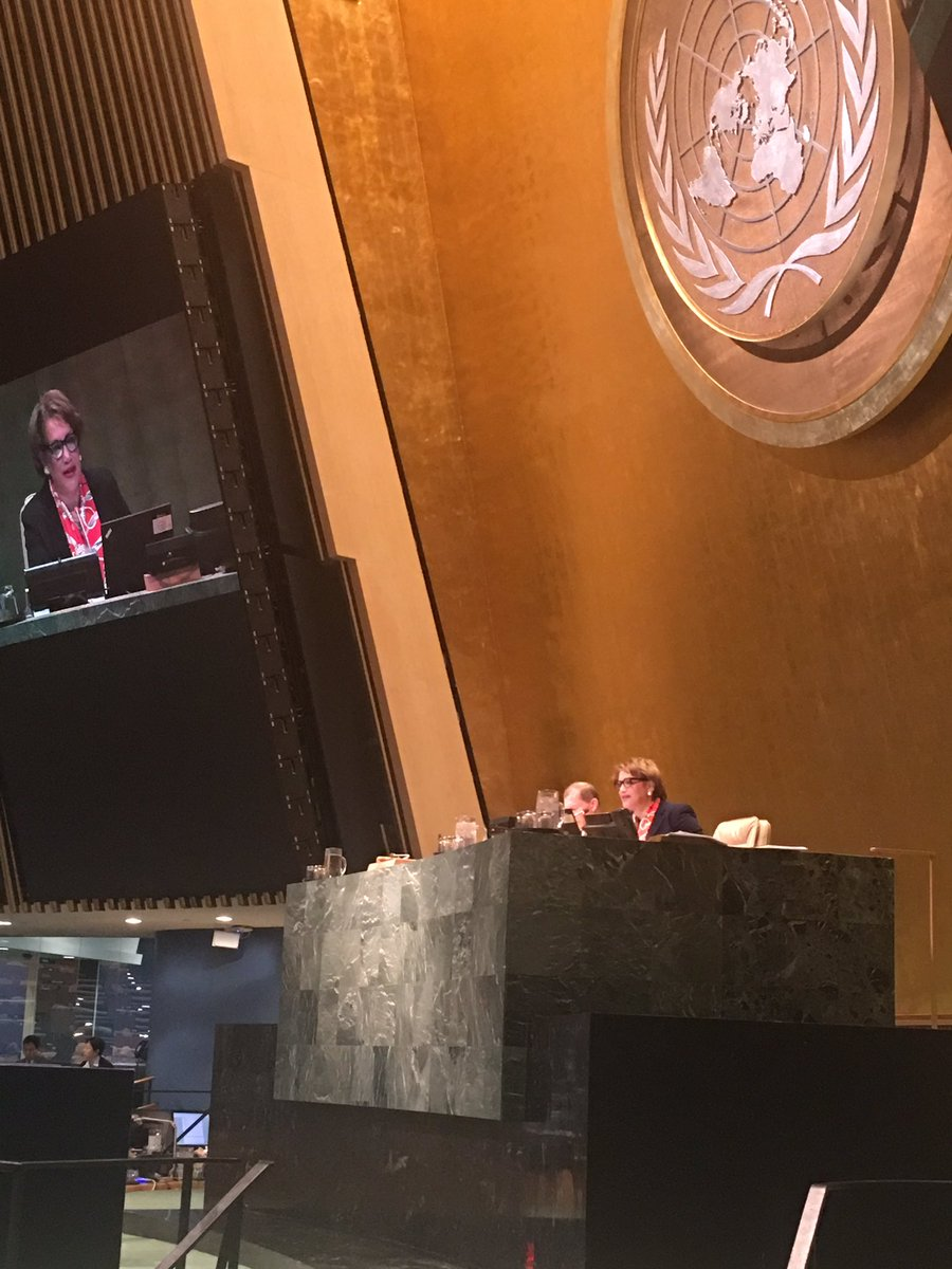 Just happened: #UNGA declared 30 Sept. International Translation Day, recognizing the contribution of language professionals to the #UN <br>http://pic.twitter.com/dHWfG2Fg20