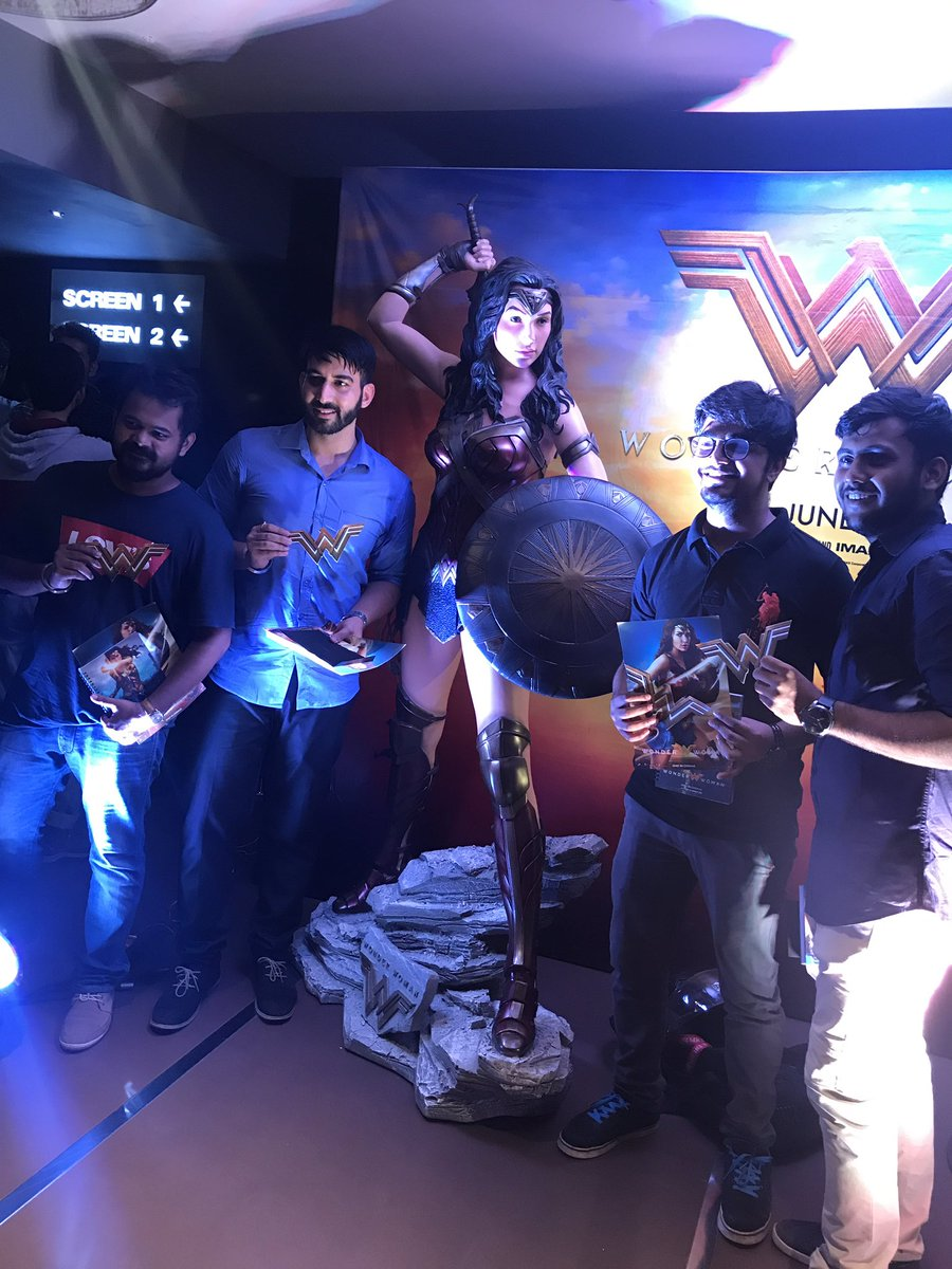 They&#39;re ready to feel the #Wonder. Are you? #WonderWomanFanDay<br>http://pic.twitter.com/cM5wIXdDHM