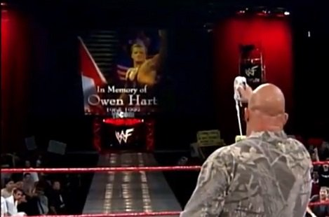 18 Years Ago Today, STONE COLD @steveaustinBSR toasted one to #OwenHart. One of the most touching #RAW moments ever... #WWE #CFOS<br>http://pic.twitter.com/2yJYpCgheX