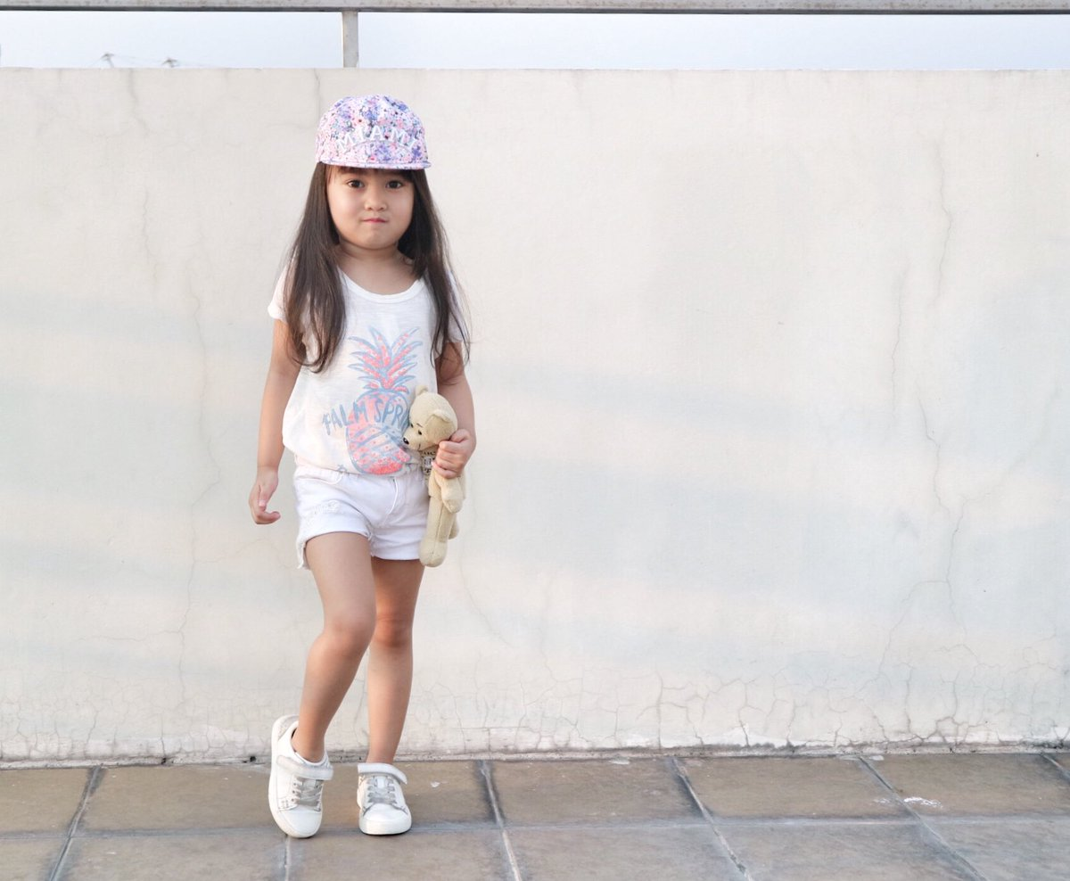 OOTD: Floral x White #solennstyle  #ootd #hmkids  #hmkidsfashion  #smkids #smkidsfashion @SMKidsFashion<br>http://pic.twitter.com/ql0KanqKu4