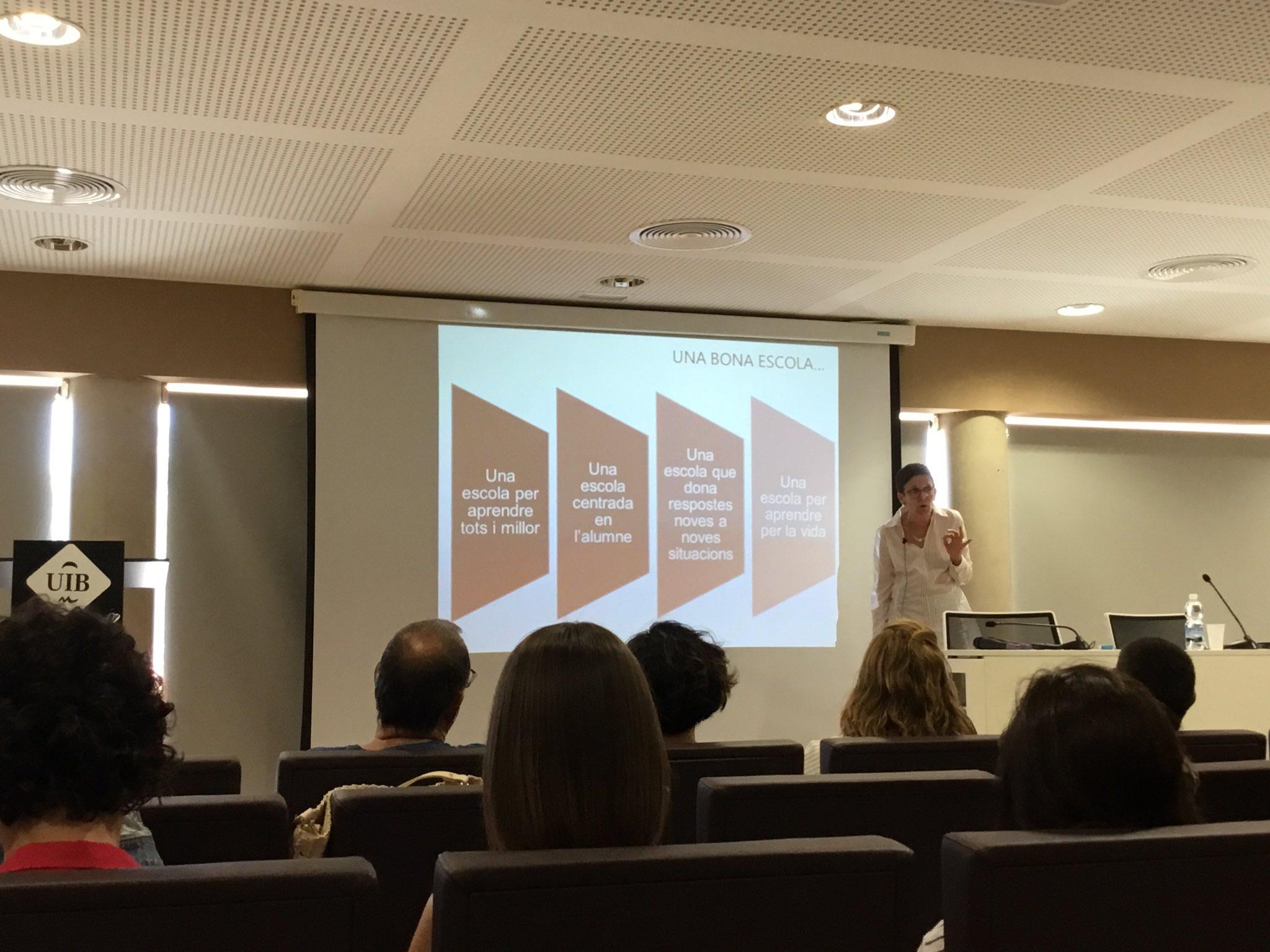 La clau d'una bona escola segons @coralregi a Compartim experiències #compartimeivissa https://t.co/QjckJRLCc0