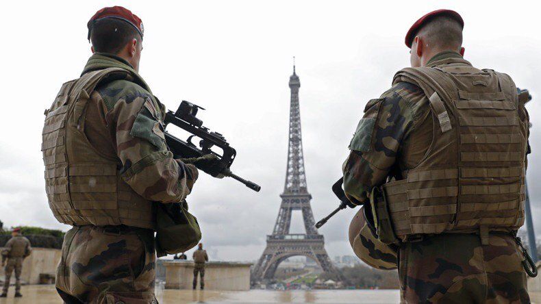#France to extend state of emergency, vows new security laws #legislatives2017  https://www. rt.com/news/389544-fr ance-state-emergency-extended/ &nbsp; … <br>http://pic.twitter.com/aTdG1ZoUTO