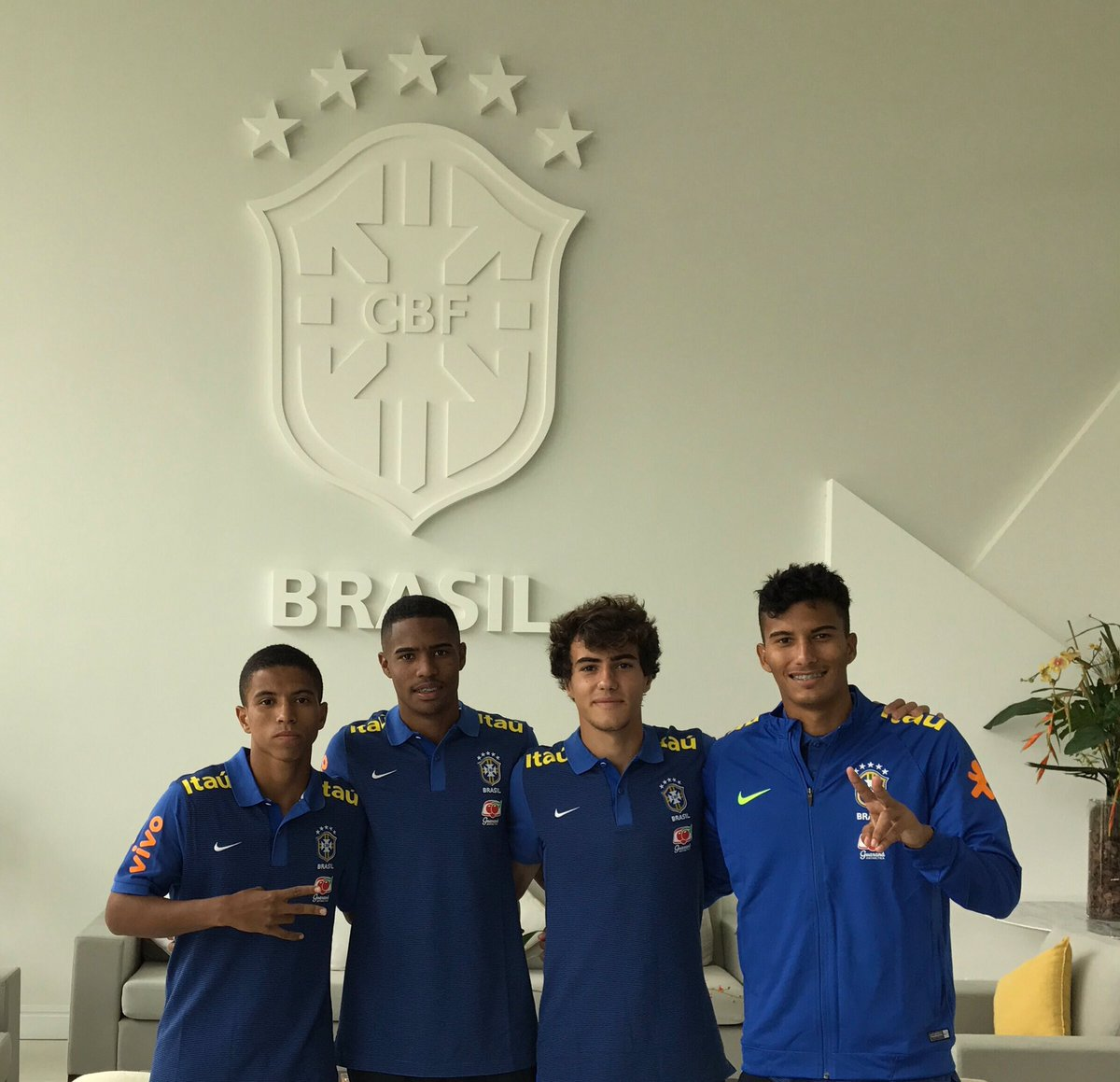 #MadeInCotia ⚽️ #Seleção 🇧🇷