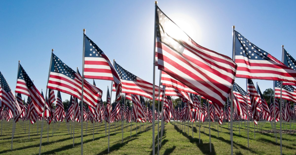Thank you to the brave men and women who sacrificed their lives for our freedom! #USA <br>http://pic.twitter.com/3bfHf3tRir