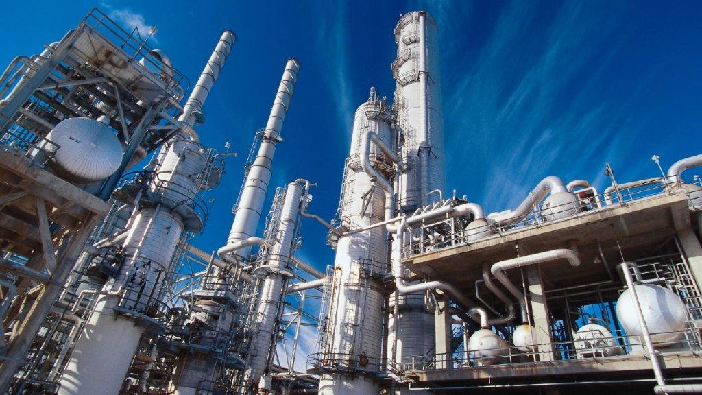 Reducing Complexity in #Chemical Manufacturing Companies with Effective Use of #Cloud Strategies  http:// spr.ly/60168cOtr  &nbsp;  <br>http://pic.twitter.com/pKLd5f3KQa