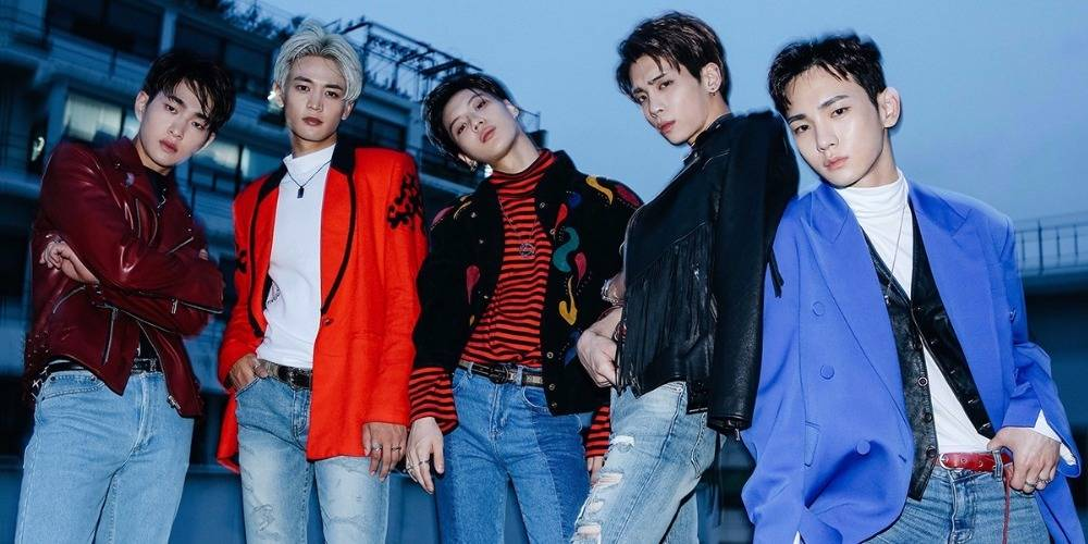 #샤이니_9년동안_빛나줘서_고마워 SHINee trend #1 worldwide for their 9th-anniversary...