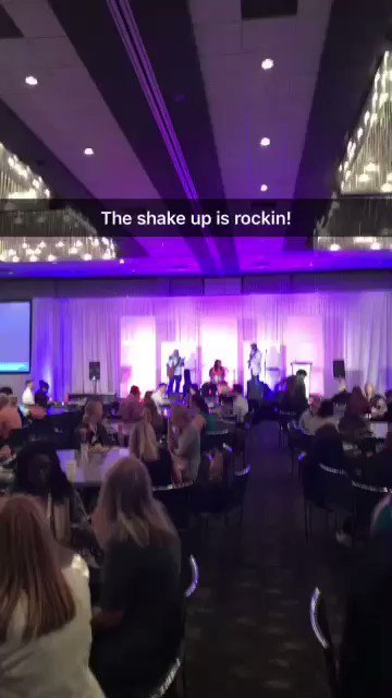 Last day of the #shakeupshow with tunes from Vidalmusicman! #socialmedia #socialmediamarketing #Atlanta <br>http://pic.twitter.com/h4DgMR1nxP #A… <br>http://pic.twitter.com/5Iwf89ILcW