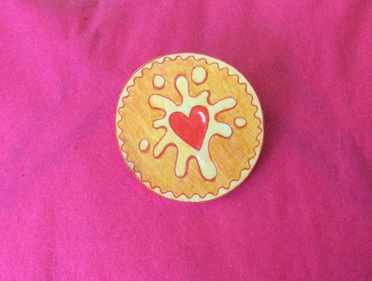 Love #jammydodgers ? Come to #swankydoodleuk for #biscuit #accessories  https://www. etsy.com/uk/shop/Swanky doodleuk?ref=listing-shop2-all-items-count#items &nbsp; … <br>http://pic.twitter.com/50kK4RmksY