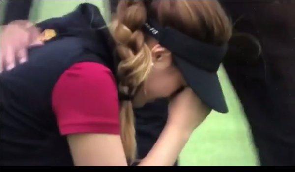 Golf, spaglia facile colpo decisivo e scoppia in lacrime - https://t.co/23ChIJj2Gk #blogsicilianotizie #todaysport