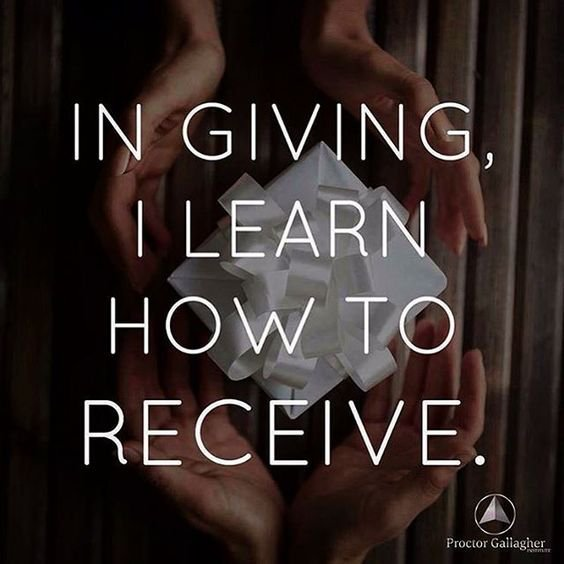 In #giving, I learn how to #receive   via @SandyLGallagher  #InspireThemRetweetTuesday #ThinkBIGSundayWithMarsha #IQRTG #BobProctor<br>http://pic.twitter.com/PPmWejDXTD