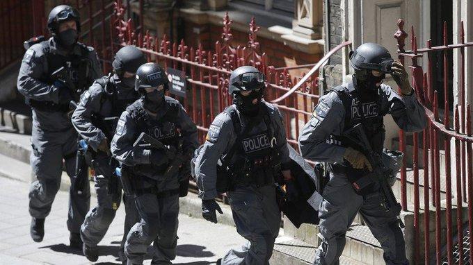 La police de #Manchester a annoncé avoir procédé à une 7e arrestation liée à l'attentat, dans la ville de #Nuneaton  https://t.co/nTxtSWC6Z8