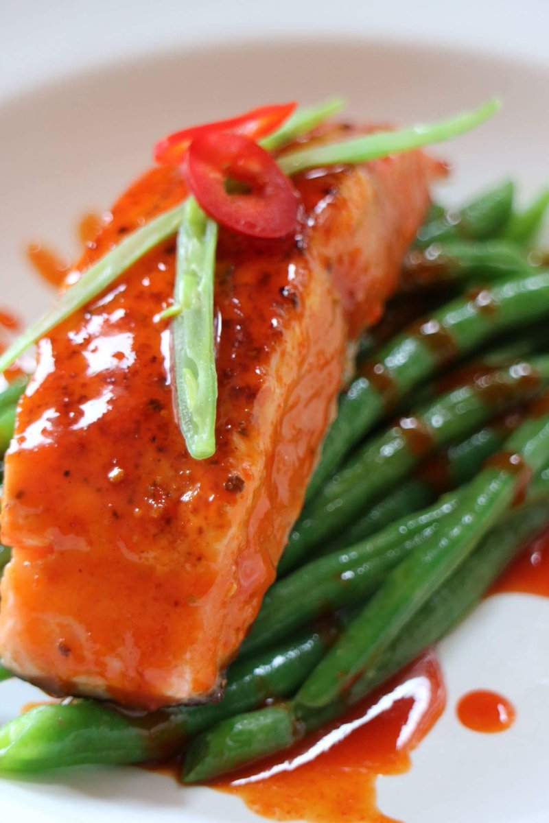 Make your own &quot;Sweet Chilli Salmon&quot; With this delicious recipe by @jeeny_maltese #quick #easy #healthy #recipe  https:// m.facebook.com/mynutritionire land/photos/a.571682352910224.1073741830.568709213207538/1306825139395938/?type=3&amp;source=48 &nbsp; … <br>http://pic.twitter.com/laPzm0sLgA