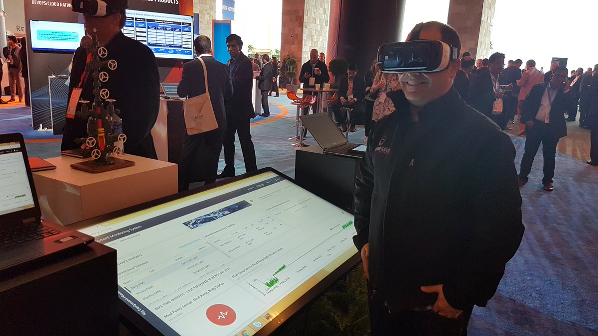 Learning how to drill for oil in #VR using #GearVR at #InfosysConfluence @Infosys @InfyConfluence #FutureOfWork https://t.co/yeEEk5HJ7g