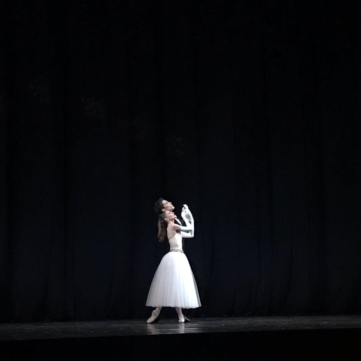 Hum belle soirée @BalletOParis #Balanchine  pic.twitter.com/H6G2hXp7JR