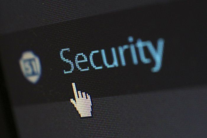 The modern guide to staying safe online!  http:// buff.ly/2rM0xIn  &nbsp;   #Security #Cybersecurity #Network <br>http://pic.twitter.com/sjI5ytDxTo