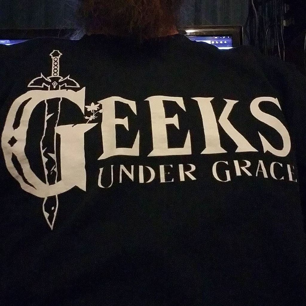 Since it&#39;s #ZeldaWeek at @geeksundergrace I&#39;ve decided to wear my #LoZ inspired #GuG shirt to church tonight  http:// ift.tt/2riEmNy  &nbsp;  <br>http://pic.twitter.com/s7bBNdhx6r