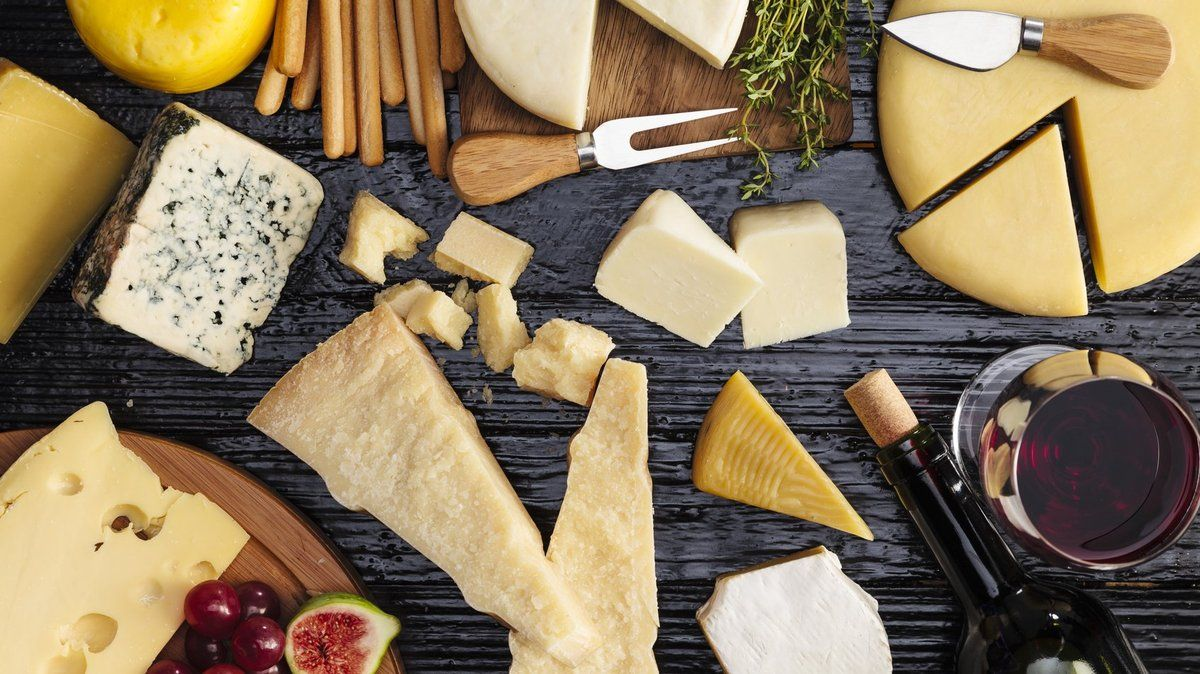 Quiz: what kind of cheese are you most like? https://t.co/NjA1d1i1WP