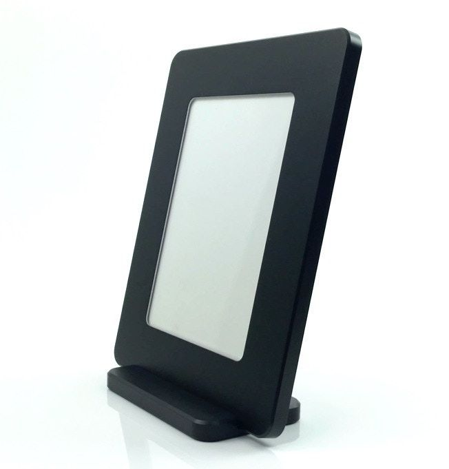 Self-leveling with flush glass front, detachable stand, magnetic seal - Finest Frames! #home #living #decors  http:// buff.ly/2rVsAoC  &nbsp;  <br>http://pic.twitter.com/HoC6P1elP6