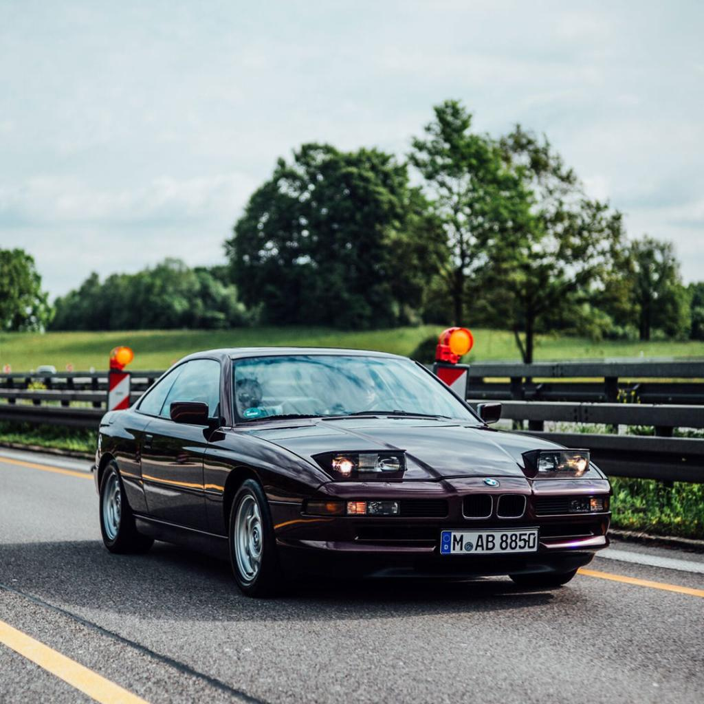 The team of @Petrolicious is on tour with the #BMW #8Series, heading south to the Concorso d\'Eleganza Villa d\'Este.