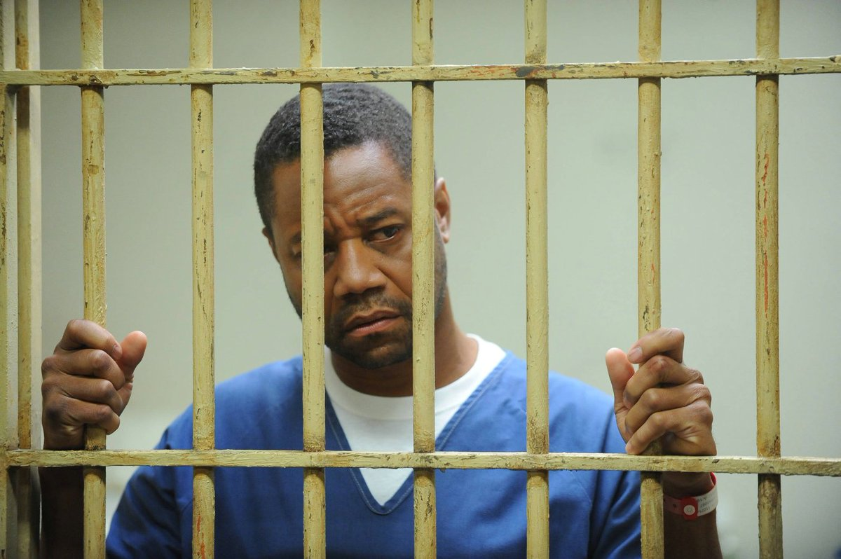 #Review zur #Serie #AMERICANCRIMESTORY: THE PEOPLE V. O.J. SIMPSON  http://www. geek-whisper.de/http://www.gee k-whisper.de/film-serie/thriller/american-crime-story-the-people-v-oj-simpson.html &nbsp; …  #OJSimpson  @foxdeutschland<br>http://pic.twitter.com/P5sfUFb8Qk