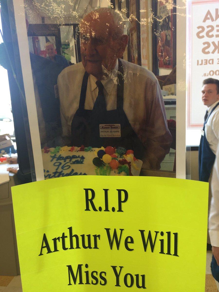 96 Yr Old Arthur St John Market Baskets Oldest Employee Has Died He Was A Veteran Bagger In Stratham
