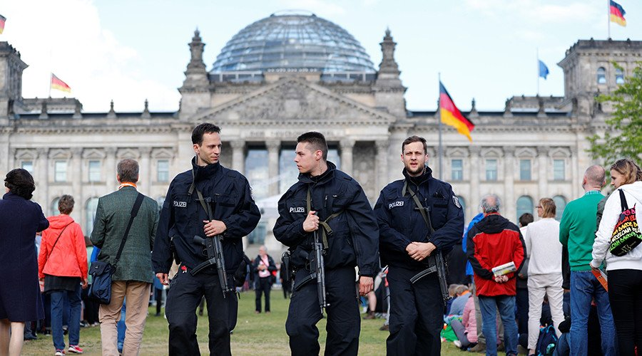 4 suspected Islamists arrested in Berlin ahead of Obama's visit https://t.co/4NI9imz6WG