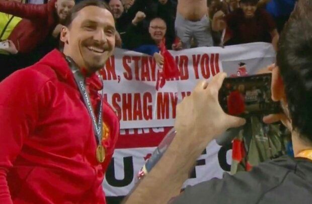 """Zlatan, stay and you can shag my wife""  #UELfi #AJAMAN #Zlatan #ManUtd<br>http://pic.twitter.com/1fUrEATdgm"
