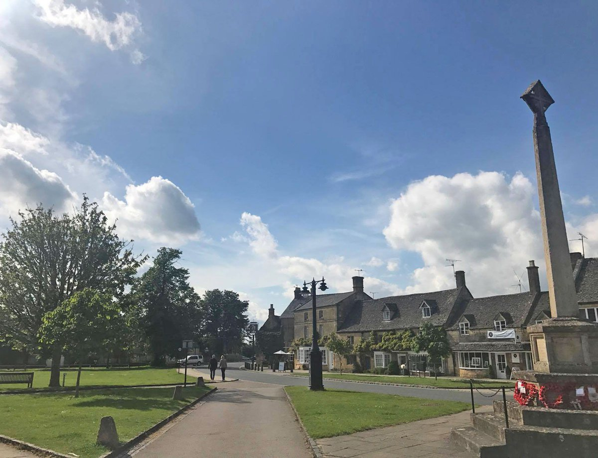 What beautiful #sunny weather!  #summer #Broadway #Cotswolds #Worcestershire #village  http:// broadway-cotswolds.co.uk  &nbsp;   #Enjoy #Eat #Shop #Stay<br>http://pic.twitter.com/igctjRR9Bo