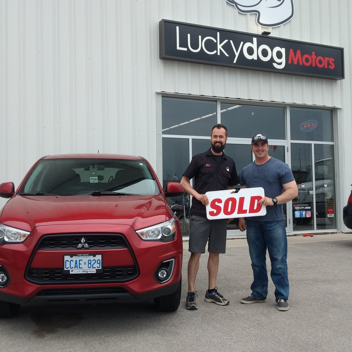 Congrats to Jacob Borgford for choosing Luckydog for your new Mitsubishi RVR #meaford #owensound #dnd #newcar #mitsubishirvr<br>http://pic.twitter.com/9DjDFt2XOe