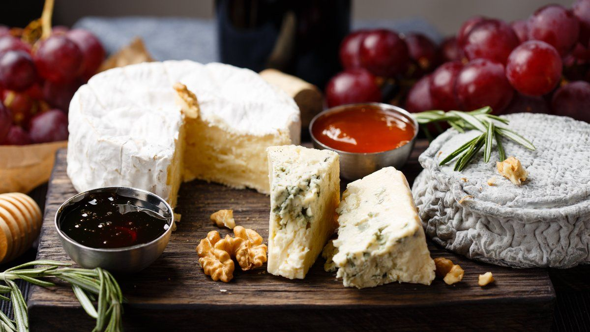 You can now get a full cheese board delivered to your door within the hour https://t.co/fuXxIkXlox
