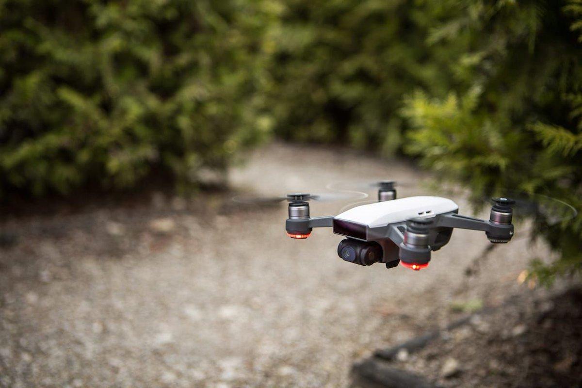 DJI's new pocket-sized Spark drone is just $499 https://t.co/jnaxkZ7Lxw