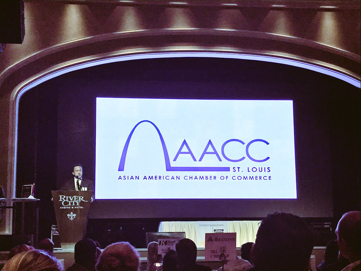Congratulations to Kei Pang of @NMPC_Official for winning the @AACCSTL #Asian Executive of the Year Award! #innovator<br>http://pic.twitter.com/YvmnKlGjZN &ndash; à River City Casino