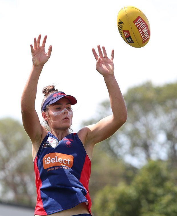 A big thank you to Maddie Boyd for her dedication &amp; contribution to our foundation @aflwomens team! Red and blue always  #DreamBigger <br>http://pic.twitter.com/U6uLODZLaj