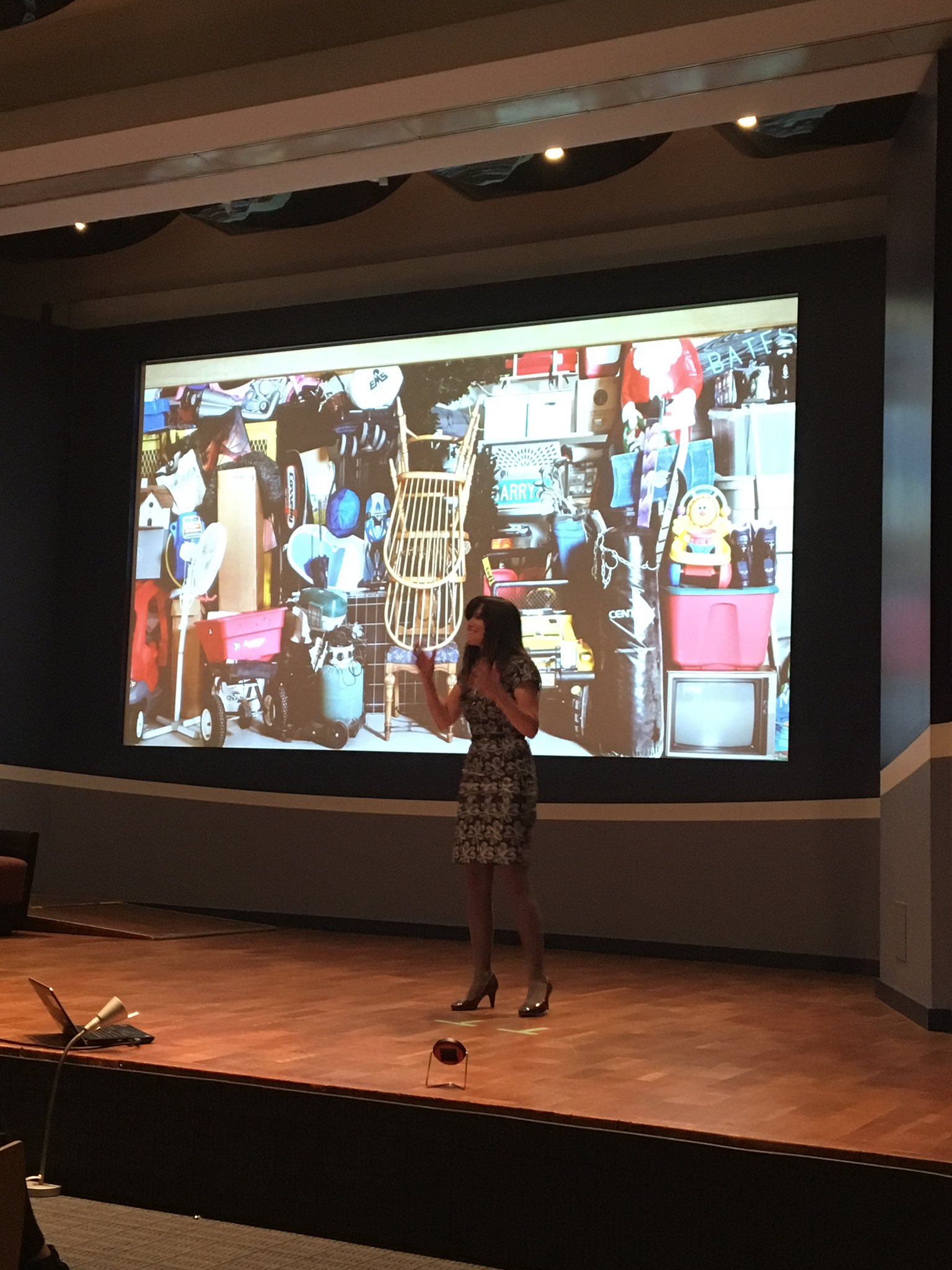 Meet Angela from @Quupe_Inc, an online platform to share your stuff. #socent #sharingeconomy #Propel2017 https://t.co/RF7iPsYL2f